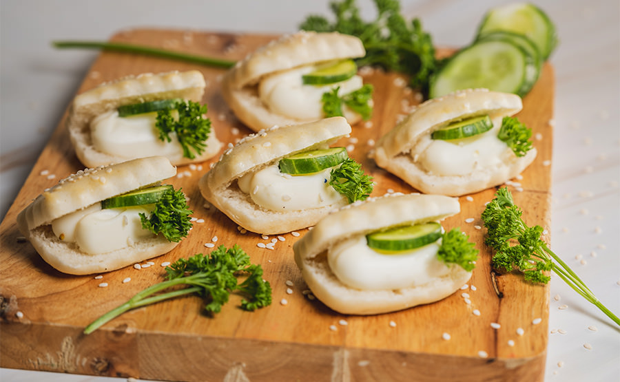 Samoon White Bread With Cream Cheese & Cucumber (12 pieces)