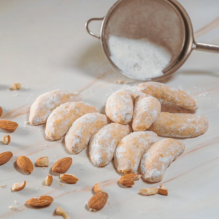 Almond Crescent Cookies (250g)