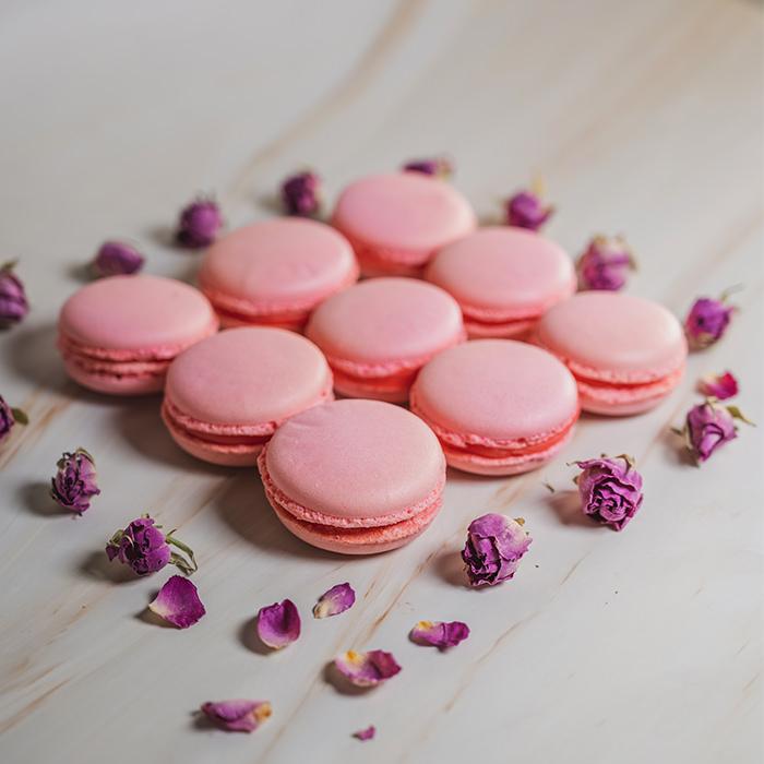 Rose Macarons (15pcs)